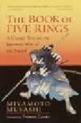 THE BOOK OF FIVE RINGS: A CLASSIC TEXT ON THE JAPANESE WAY OF THE SWORD-THE BOOK OF FAMILY TRADITIONS ON THE ART OF WAR - 9781590302484 - MIYAMOTO MUSASHI